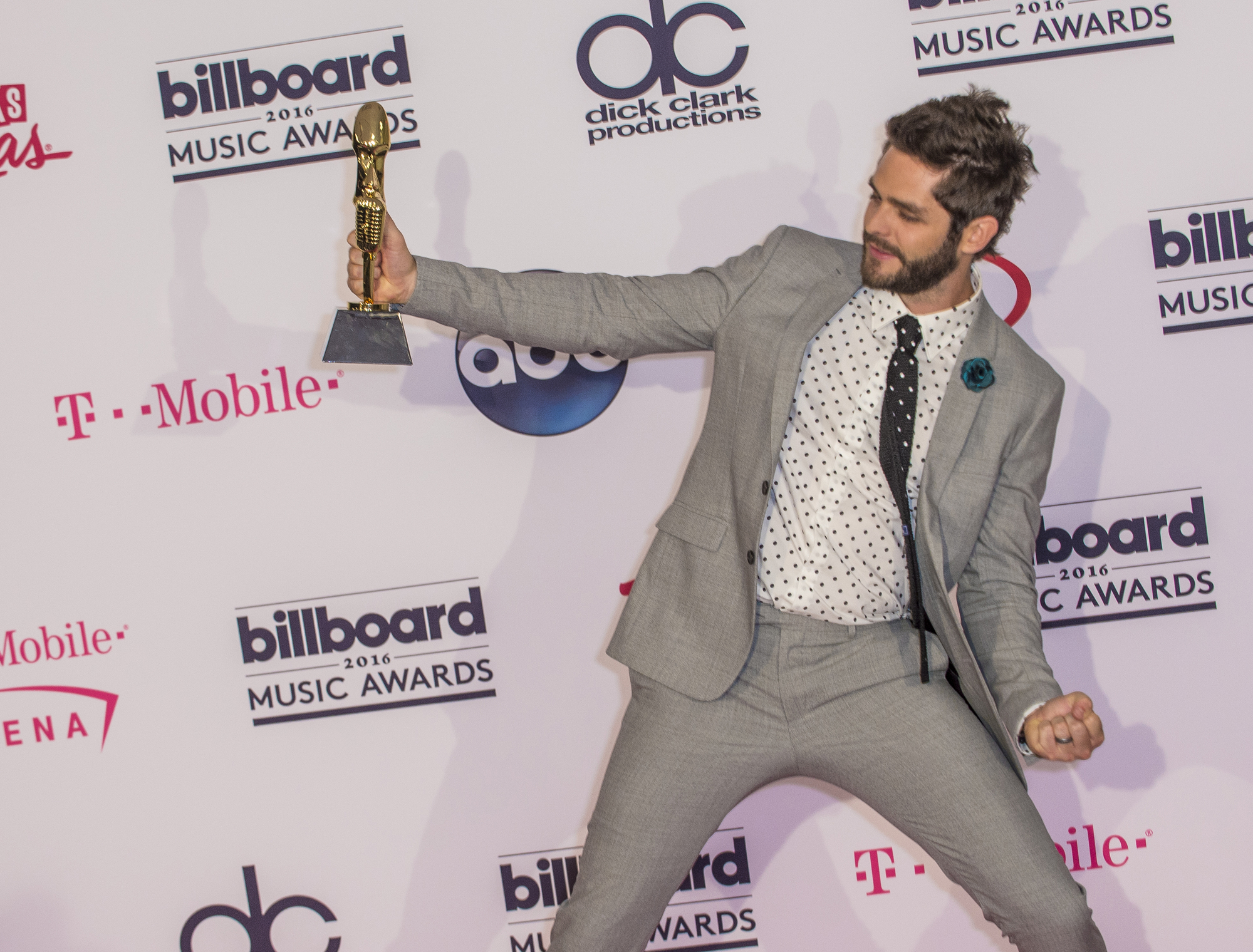 RealGeeks.com.ng About Thomas Rhett (biography) net worth Musician's Biography Musician's Net Worth uncategorized  Thomas Rhett